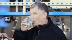 Bill-Gates-drinking-water