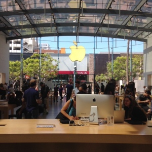 iPhone6s-Apple-Store-Santa-Monica-inovasi-com
